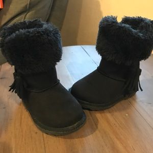 8985c8f2b67 Kids Makalu Boots on Poshmark